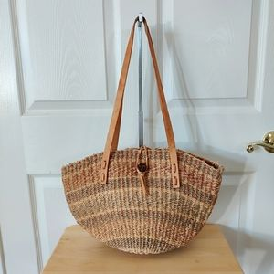 Vintage jute straw bag with leather straps